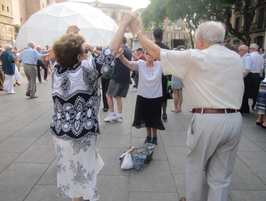 sardana dances la merce guide Barcelona Spain