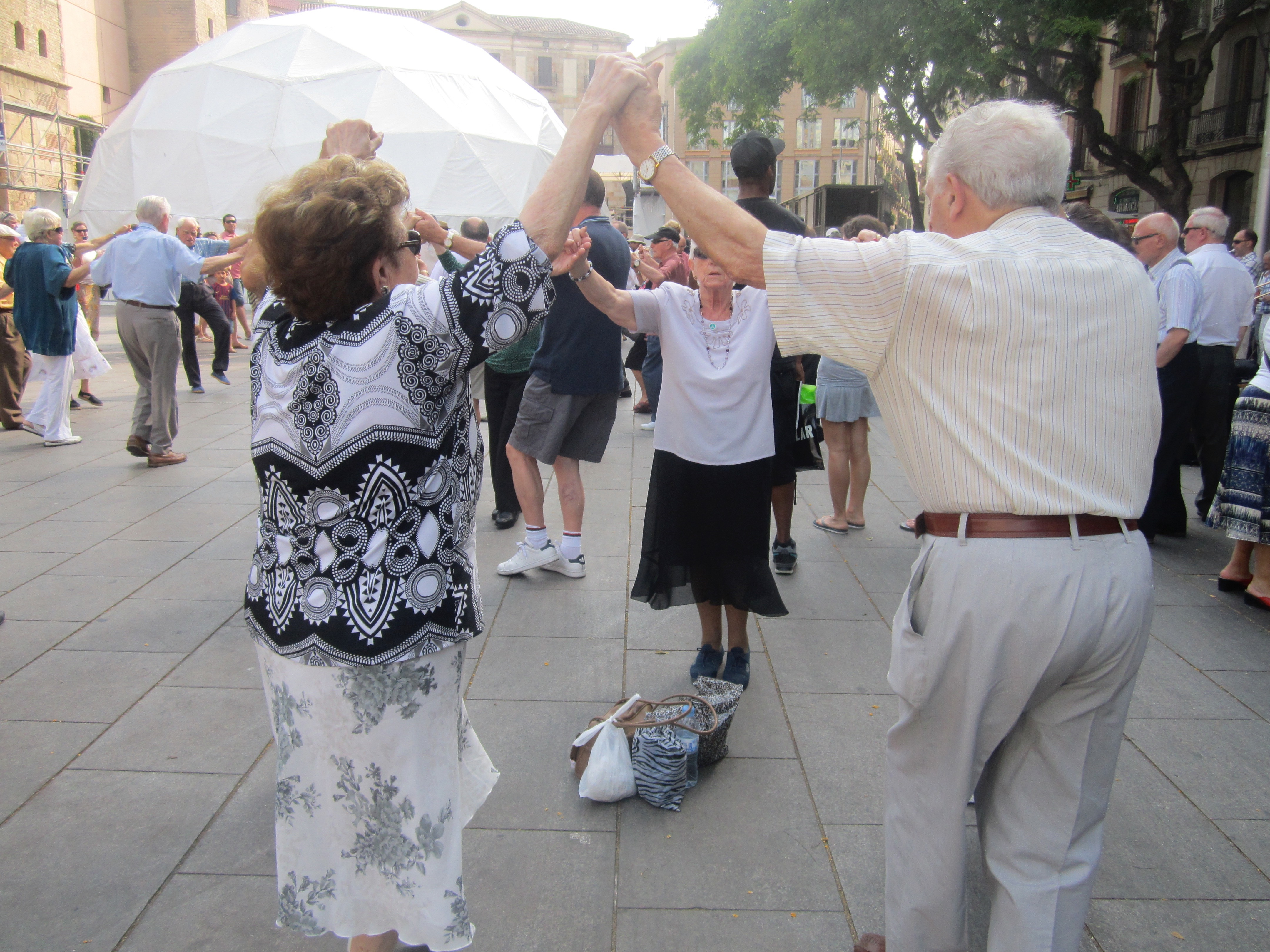 sardana dances la merce guide Barcelona Spain
