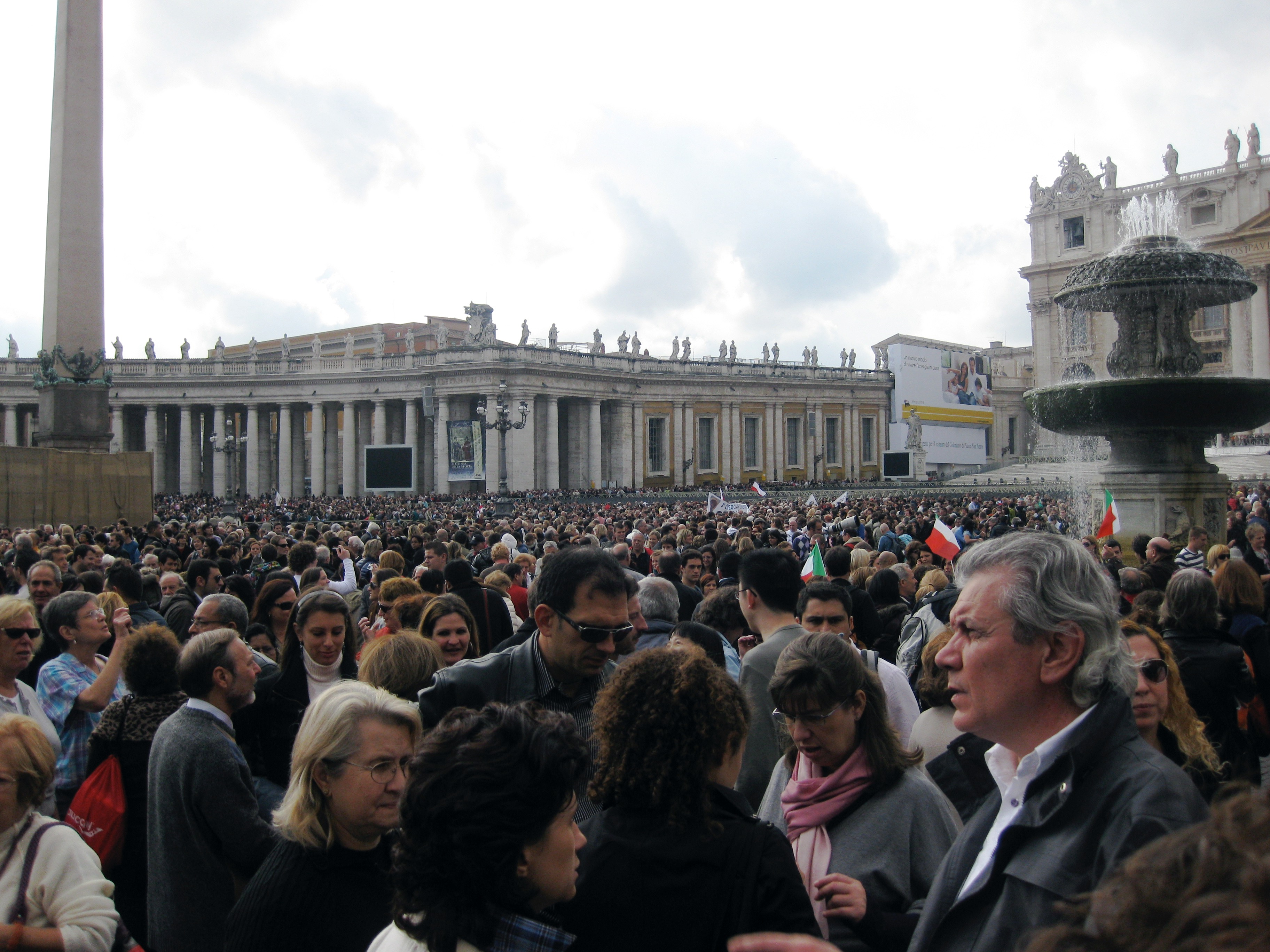 waiting for the pope Rome, Italy