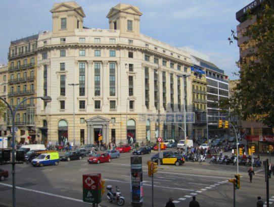 shopping Spain