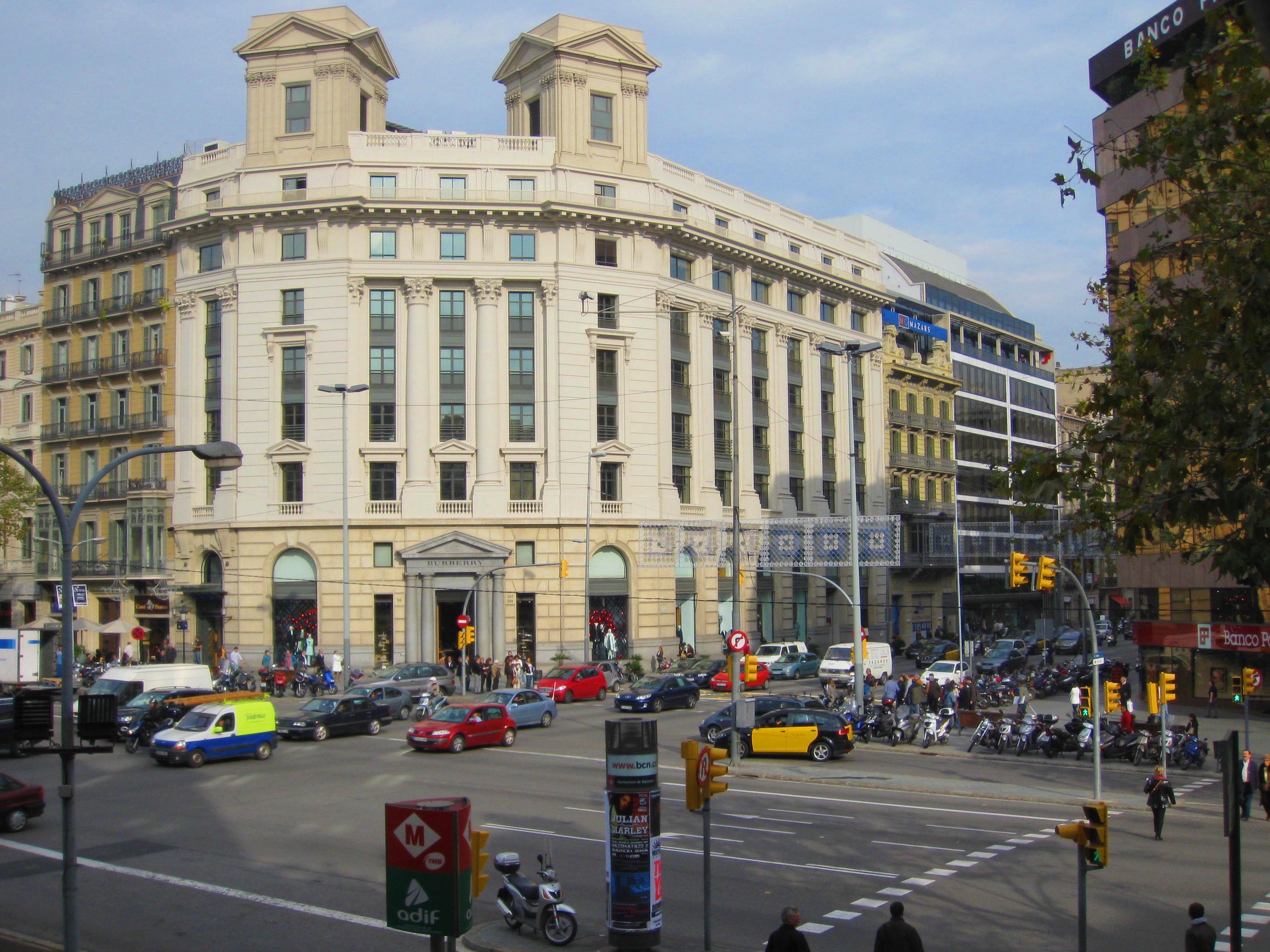 Spain itinerary Plaza Catalunya