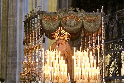 Semana Santa Virgin Mary paso