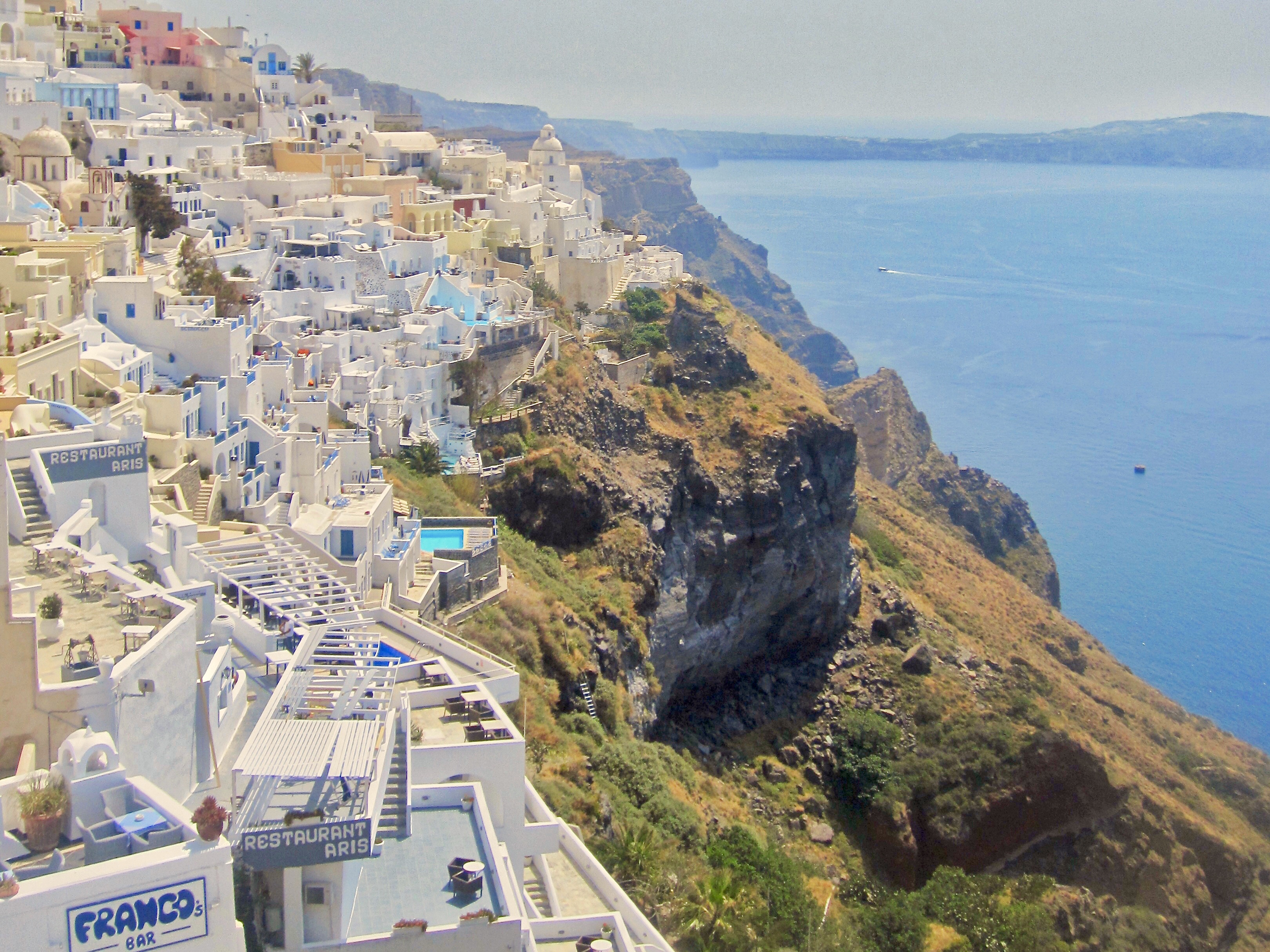 airbnbs in Santorini Greece