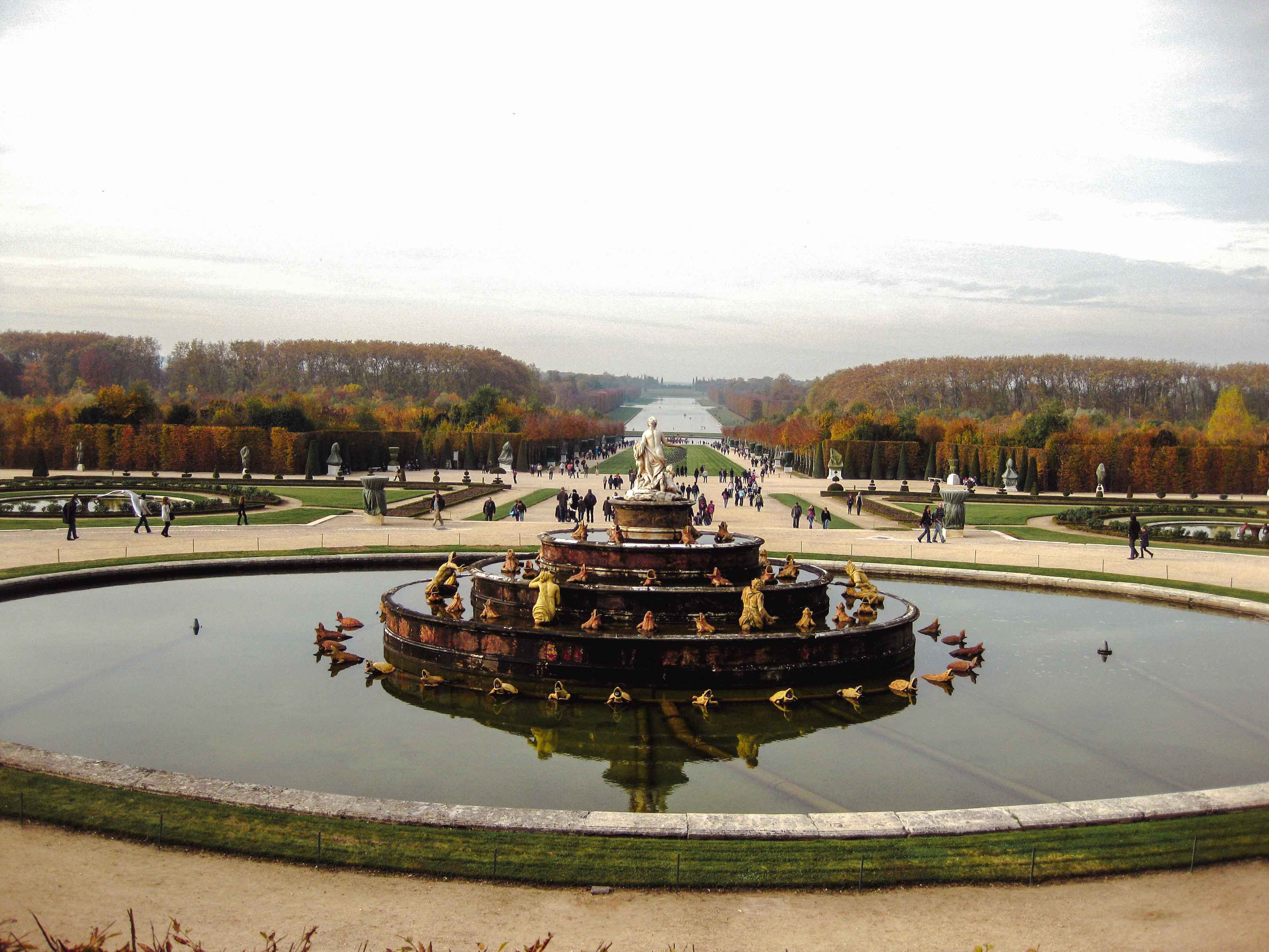 Paris Itinerary: Versailles gardens